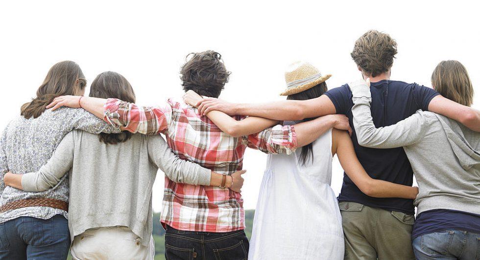 hugging-friends-on-hug-day